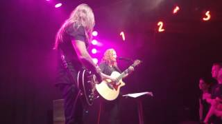 Anneke van Giersbergen & Esa Holopainen - Who Wants To Live Forever