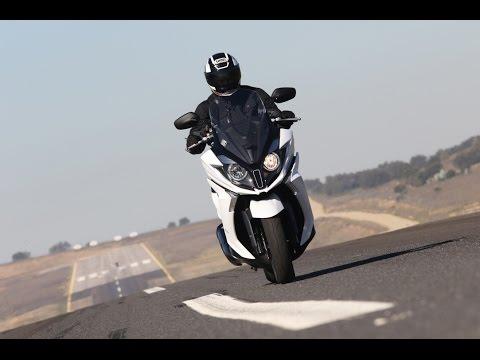 KYMCO Super Dink 125/350i | Presentación / Primera Prueba / Test / Review en español | motos.net