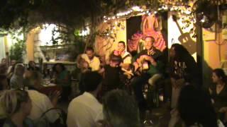 """Flamenco,  rumba gitana Bintili  4 ans bailando con el grupo """"SOY""""  Saintes Maries de la mer"""