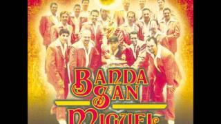 Banda San Miguel La Rubia Y La Morena.wmv