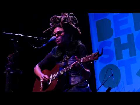 valerie-june-dust-of-the-dirty-rambler-live-on-kexp-kexp
