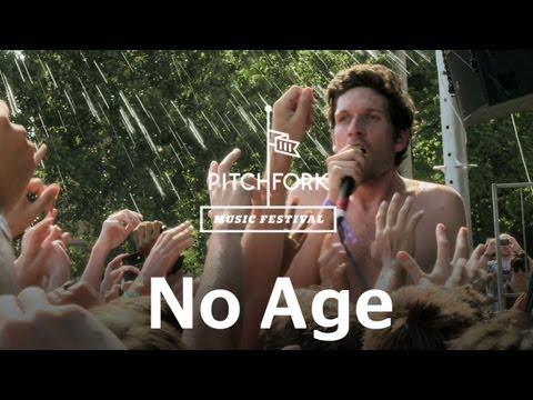 no-age-everybodys-down-pitchfork-music-festival-2011-pitchforktv