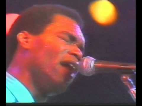 robert-cray-phone-booth-coolazul