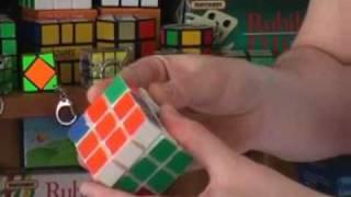 Hogyan rakjuk ki a Rubik kockát? 4. rész, alsó sarokkockák kirakása