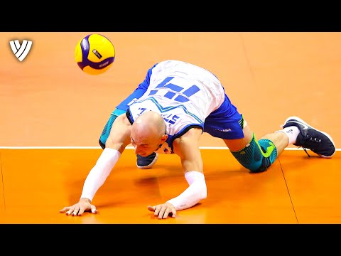 Unbelievable that he saves that Ball! | CEV Men's Tokyo Volleyball Qualification 2020