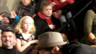 Bloggtorget.com: Eric Saade feat. Dev - Hotter Than Fire Live IN Sundsvall