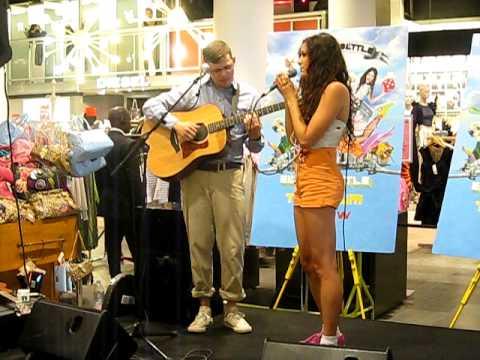 eliza-doolittle-baby-live-at-selfridges-12-7-2010-paul-shevel