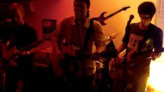 Manga Rosa, tocando um Bob Marley, No Espaço Glória- Camaquã/RS - 05-09-09