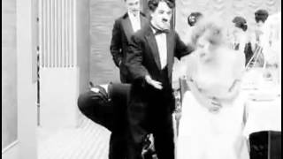 Charlie Chaplin - Skating