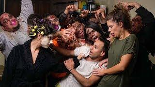 The Walking Dead: No Man's Land by Anwar Jibawi, Hannah Stocking & Inanna Sarkis
