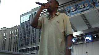 THE GZA - SHIMMY SHIMMY YA (ODB TRIBUTE) LIVE @ YONGE DUNDAS SQ,