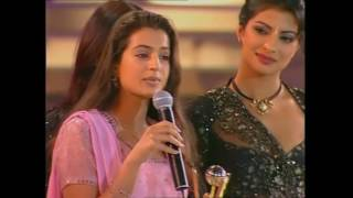 Zee Cine Awards 2001 Best Debut Female Amisha Patel width=