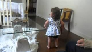 Lulu e Lele dançando