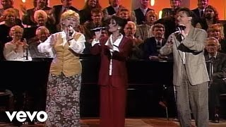 Bill & Gloria Gaither - Out of His Great Love [Live] ft. The Martins