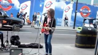 런던 옥스퍼드 거리 록밴드 버스킹