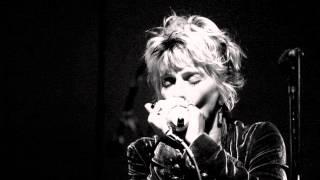 KELLIE RUCKER - LOVE AND WAR