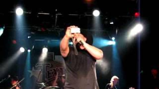 Chris Cagle - What Kinda Gone @ Billy Bob's 1-29-11.AVI