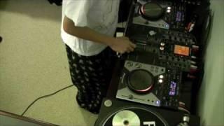 DJ Ravine's