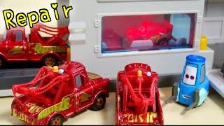 DISNEY CARS FRIENDS MINI RACERS CRASHES!CLEANLY REPAIR | カーズ ディズニー クラッシュ!グイドが綺麗になおしてくれたよ 子供向け