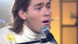 Benjamin Ingrosso - Fall in Love (Acoustic version) @ Nyhetsmorgon TV4
