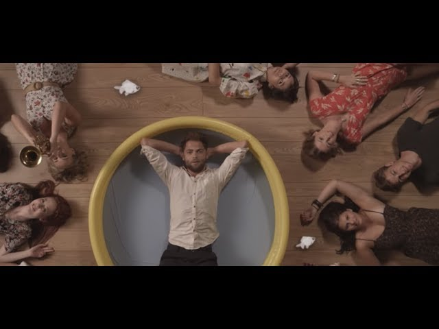"Video oficial de ""The wrong direction"" de Passenger"