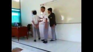 Goyang Itik SMA 2 Bondowoso