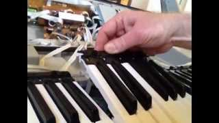 How to Fix a Yamaha Keyboard With a Dead Note