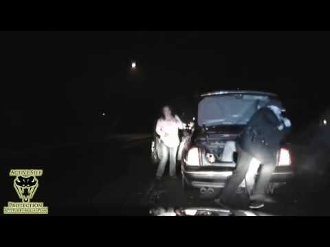 Officer Subdues Wanted Fugitive | Active Self Protection