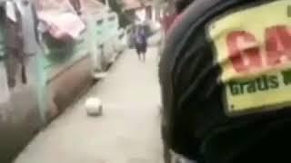 Bocah Mau Nendang Bola, malah Kepleset Bikin NGAKAK 😂