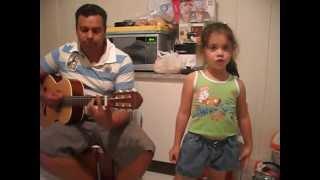 Laura canta Pode Chorar Suellen Lima.AVI