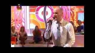 Edmundo Vieira em mini concerto no Você na Tv - Querer Voltar