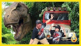 Jurassic Park T-Rex GIANT LIFE SIZE DINOSAURS Islands of Adventure Universal Studios Family Fun Toys