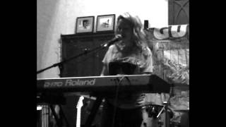 Melodi-I will Lay Here  live @give a hoot cafe