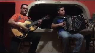 Hojita Con puro acordeon y bajo