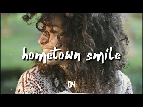Hometown Smile de Bahjat Letra y Video