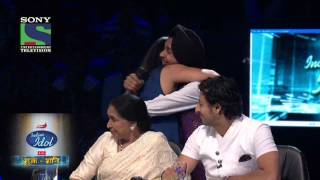 Sunidhi sings 'Phoolon Ka Taroon Ka...' On Indian Idol 6 - HQ