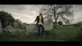 Keen'V   Sally  ( clip officiel ) Suite de rien qu'une fois