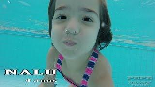 Menina de 4 anos mergulhando legal - NaLu