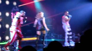 Kylie Minogue live in Chicago - dancer intros / Fascinated / Real Slim Lady (HQ)