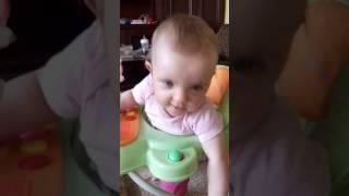 Dziecko śpiewa