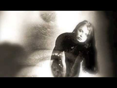 hope-sandoval-the-warm-inventions-blue-bird-westlook