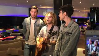 "Manel Navarro, Robin Bengtsson y Kristian Kostov, sing ""Do It For Your Lover"""