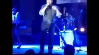 Te bese - Leonel García  live
