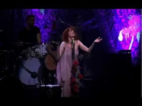 florence-the-machine-hurricane-drunk-live-at-the-wiltern-maximdoolaard380