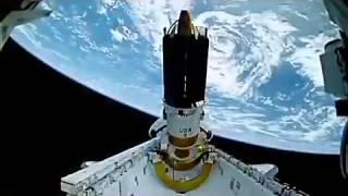 Quand la Nasa filme des ovnis à partir de l'ISS sans flooter, extraordinaire non!!!