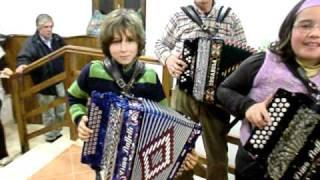 """""""Ó Ramona"""" grupo concertinas sem eira nem beira"""