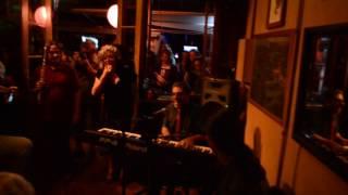 Cantando Parabéns: Inauguração do Mini Teatro Móvel II e 40 Anos de música de Marcos Ungaretti