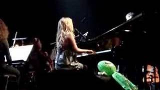 Lucie Silvas - Forget Me Not (live @ HMH) 1