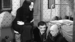 La famiglia Addams- Un bagno di luna :-)