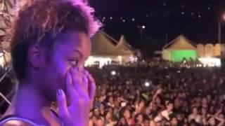 Maître Gims invite des jeunes Réunionnais à danser sur scène